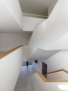 Ecole de la Servanne à Bex (CH) Architecture Model Making, Ferrari, Ceiling Lights, Type, Interior, Home Decor, Urban Planning, Architects, Decoration Home