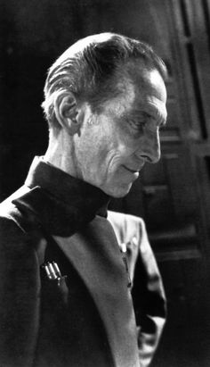 Governor Grand Moff Tarkin - Star Wars