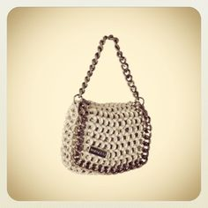 Store online available @ www.dalaleo.it Mod. Lolita #ecobags #ecofashion #upcycling #recycling #pull #aluminum #cans