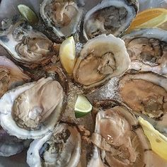 Shucking starts @6pm #captainmikes #oysters  #malpaque #bluepoints