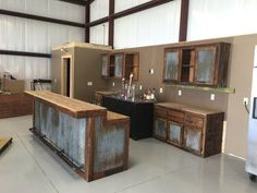 backyard remodel Rustic Barnwood Bar with barn tin -Dimensions - Bars are 36 tall in the back (working/serving area), 42 in the front (seating/drinking area).Bar Lengths will vary dep Home, Rustic Kitchen, Basement Bar, Rustic House, Barn Tin, Bars For Home, Building A House, Metal Building Homes, Basement Remodeling