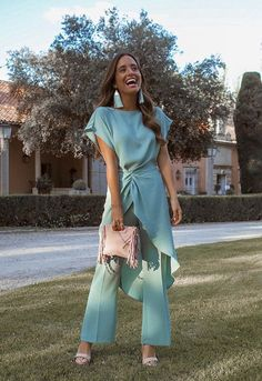 María F Rubies Gala Dresses, Nice Dresses, Dress Outfits, Evening Dresses, Fashion Outfits, Formal Dresses, Elegant Outfit, Classy Dress, Fiesta Outfit