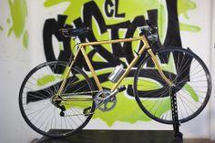 Bicicleta de los años 80 restaurada y modificada, vendida componentes  -sillin brooks  -bielas sturmey archer -ruedas mavic - cuadro orbea -cubiertas michelin