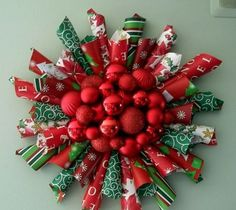 My Paper Christmas Wreaths holiday wreaths Paper Christmas Decorations, Christmas Wreaths To Make, Christmas Bags, Christmas Tree Toppers, Christmas Paper, Christmas Card Holders, How To Make Wreaths, Holiday Wreaths, Christmas Projects