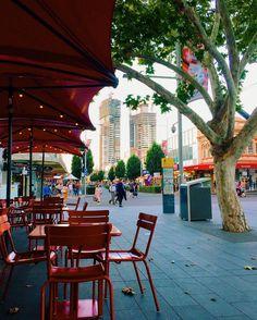 Parramatta afternoon #discoverparramatta #westernsydney #jamiestrattoria #centenarysquare #vscocam #sydneyigers #sydneysider #afternoon #dailylife