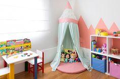 Quarto de menina com cama casinha - Constance Zahn | Babies & Kids