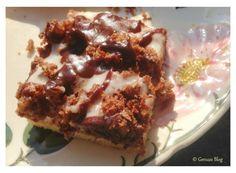 Blechkuchen+Rezept:+Süßer+Krümelkuchen+mit+Schokoladensauce