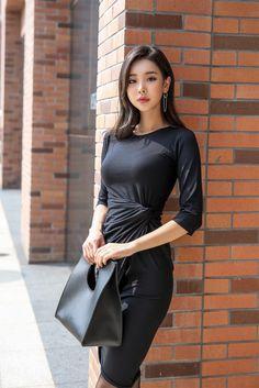 Beautiful Asian Women, Beautiful Legs, Girl Fashion, Fashion Outfits, Womens Fashion, Fashion Ideas, Asian Woman, Asian Girl, Colorful Fashion