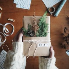 There is not much time left until the main news .- There is not much time left until the main night. Handmade Christmas Gifts, Christmas Gift Wrapping, Xmas Gifts, Diy Gifts, Unique Gifts, Magical Christmas, Christmas Time, Christmas Crafts, Christmas Decorations