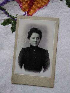 Antique CDV/visit card,dark hair woman/lady in black, heart necklace early 1900s Black Heart, Dark Hair, Vintage Photos, Vintage Ladies, Black Women, Woman, Antiques, Lady, Antiquities