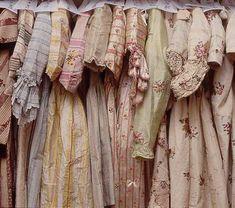 Fabulous Hanging Collection Of Vintage Gowns Vintage Dresses, Vintage Outfits, Vintage Fashion, Dresses Dresses, Pastel Dresses, Vintage Wardrobe, Girls Dresses, Mode Kpop, Fru Fru