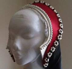 French hoods, the bejewelled headpieces of the Tudor era, seem to be one of the most mysterious and difficult to recreate items – a real challenge for any Tudor re-enactor wanting to portray an upp… Renaissance Costume, Medieval Costume, Renaissance Fashion, Medieval Dress, Renaissance Clothing, Tudor Costumes, Period Costumes, Historical Costume, Historical Clothing