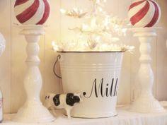 35 Ideas Farmhouse Christmas Tree Sugar Pie For 2019 8 Days Of Christmas, Christmas Farm, Christmas Hearts, Christmas Candy, Christmas Themes, White Christmas, Christmas Tree Decorations, Simple Christmas, Christmas Vignette