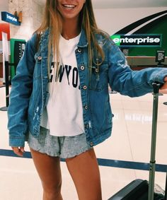 outfits 2019 35 cute outfits for school you are looking for 20 – JANDAJOSS.ME 35 cute outfits for school you are looking for 20 – JANDAJOSS. Casual Fall Outfits, Spring Outfits, Cute Outfits, Lazy Summer Outfits, Cute Travel Outfits, Casual Shoes, Amazing Outfits, Casual Attire, Simple Outfits