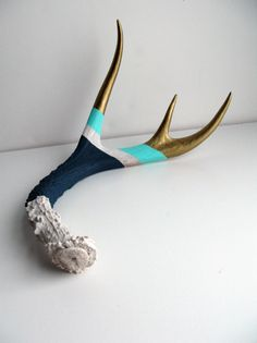 painted antlers...I want to do this to my first antlers I get