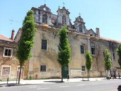 Capela em ruinas, na zona de Arroiois, em Lisboa