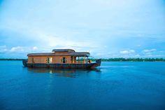 kerala-houseboat-tourism