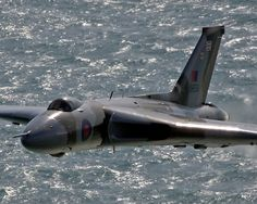 Vulcan To The Sky - Eastbourne photo report