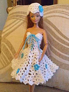 Irresistible Crochet a Doll Ideas. Radiant Crochet a Doll Ideas. Barbie Knitting Patterns, Barbie Patterns, Doll Clothes Patterns, Crochet Doll Dress, Crochet Barbie Clothes, Barbie Wardrobe, Mini Vestidos, Barbie Dress, Barbie Doll