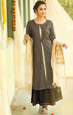 #kurta #jacket #contemporary #classic #women #fashion #palazzo #dupatta #silk #chanderi #prints #zari #gota #dressy #Fabindia