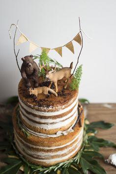 Woodland Cake Baby Boy Birthday Decoration, Baby Boy 1st Birthday Party, Woodland Cake, Woodland Party, Combined Birthday Parties, Safari Cakes, Friends Cake, Cakes For Boys, Cata