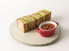 Nouveau ! Club-sandwich Poulet-Teriyaki ou le club-sandwich Végétarien, accompagné d'une soupe du moment