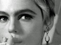 Edie Sedgwick screen test by Andy Warhol Little Girl Lost, Edie Sedgwick, 70s Makeup, Screen Test, Truth And Lies, Andy Warhol, Female Singers, Timeless Beauty, Style Icons