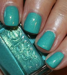How To Paint Your Nails Like A Pro : Fantastic green nail polish from Essie Green Nail Polish, Essie Nail Polish, Green Nails, Nail Polish Colors, Gel Polish, Turquoise Nail Polish, Nail Polishes, Fancy Nails, Love Nails