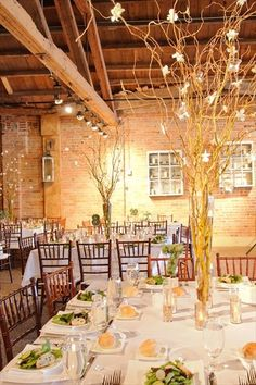 centerpieces and tables. LOVE thisssss