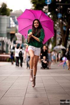 憂鬱な雨の日も吹き飛ばせ!雨の日を乗り切る雨の日コーデ♡参考にしたスタイル・ファッション♡                                                                                                                                                                                 もっと見る