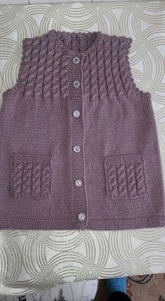 Mountain goat vest pattern - knitted baby clothes # baby # mountain goat vest # clothes # model # you sie Baby Kleidung Knit Baby Dress, Knitted Baby Clothes, Baby Cardigan, Baby Knitting Patterns, Knitting Stitches, Knitting Designs, Pullover Design, Sweater Design, Crochet Baby