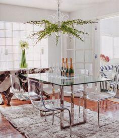 44 Captivating Glass Dining Room Design Ideas For Home Inspiration Glass Dining Table Designs, Glass Dining Room Table, Dining Room Design, Glass Tables, Dining Set, Dining Chairs, Dining Room Console, Room Interior, Interior Design