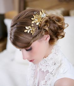 Gold Hair Pin and Comb set Wedding Flower by GildedShadows on Etsy, $175.00