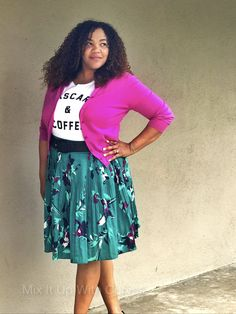 Mixing an Old Navy Graphic Tee with a Target Floral Skirt and a JCrew Cardigan. #Oldnavy #target  ttp://mixitupwithcurves.com/2017/03/29/floral-skirt-a-graphic-tee/
