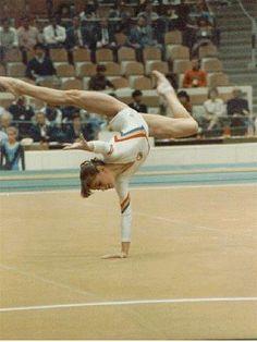 Lavinia Agache The Best Romanian team ever . Romanian Gymnastics, Tumbling Gymnastics, Gymnastics Team, Gymnastics Pictures, Olympic Gymnastics, Olympic Badminton, Olympic Games Sports, Famous Gymnasts, Jordyn Wieber