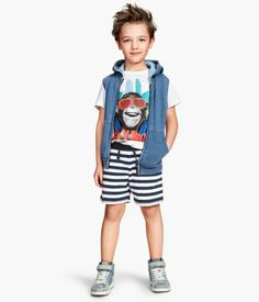 Welcome to H&M, your shopping destination for fashion online. Shop the latest trends and discover our high quality clothing at the best price. H&m Online, Jersey Shorts, Overall Shorts, Children, Kids, Fashion Online, Latest Trends, Overalls, Clothes