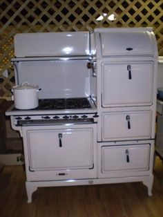 1930's Clarke Jewel Commercial Gas Range. Manufactured by The American Stove Manufacturing Co.