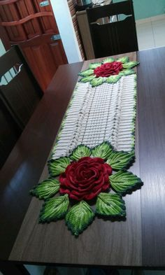 Crochet Bedspread Pattern, Crochet Table Runner Pattern, Crochet Flower Patterns, Crochet Tablecloth, Crochet Doilies, Crochet Flowers, Holiday Crochet, Crochet Home, Table Runner And Placemats