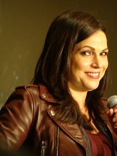 Awesome Lana being funny #OnceCon #panel #Schaumburg (#Chicago area) Illinois…