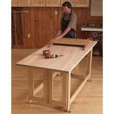 Easy Woodworking Projects Folding Work Table Woodworking Plan from WOOD Magazine Learn Woodworking, Easy Woodworking Projects, Popular Woodworking, Wood Projects, Woodworking Videos, Woodworking Basics, Woodworking Patterns, Youtube Woodworking, Woodworking Techniques
