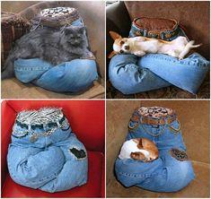Diy Pet, Diy Dog Bed, Pet Beds Diy, Recycle Jeans, Pet Furniture, Animal Projects, Diy Stuffed Animals, Animal Pillows, Cat Toys