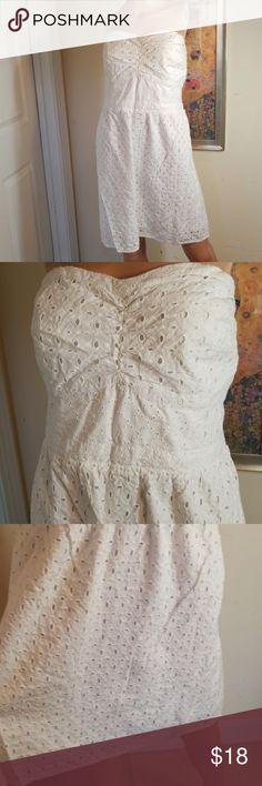 💋3/$24💋AEO STRAPLESS SUMMER DRESS Excellent condition.   💋3 for $24💋 BUNDLE any 3 items (listed 3 for $24), IGNORE the bundle price & OFFER $24 🌺See mannequin listing for size reference.   Also CHECK OUT my 🦄3 for $15🦄, ⚘3 for $50⚘ & ♥️10 for $10♥️ sale!  Why SHOP MY Closet? 💋Smoke/ Pet Free 💋OVER 1000 🌟🌟🌟🌟🌟RATINGS 💋POSH AMBASSADOR &TOP 10% Seller  💋TOP RATED 💋 FAST SHIPPER  💋BUNDLES DISCOUNT 💋EARN VIP DOLLARS W/ EVERY PURCHASE ❤HAPPY POSHING!!! 💕 American Eagle…