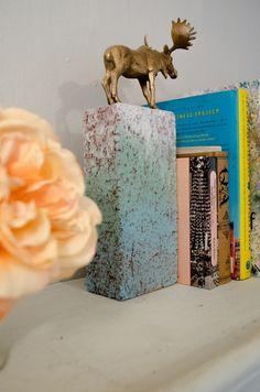 Buchstütze aus Ziegelstein und vergoldetem Tier, hält garantiert... DIY Gold Animal Book Ends
