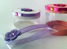 Cajas hechas con botellas de plástico. ¡No dejamos de reciclar!