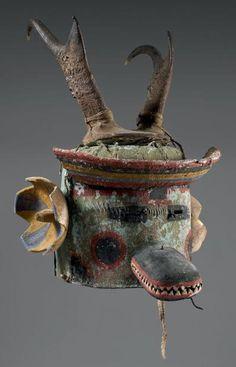 Très rare et exceptionnel masque heaume Antilope Pueblo, Southwest, U.S.A Circa 1900/1910