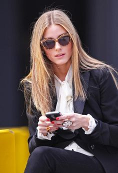 Olivia Palermo #sunglasses Do youlike this sunglasses? You will love this Prada! http://www.visual-click.com/es/gafas-de-sol/prada/pr-02qs/7s00a7-medium-havana/3-30-36813.html