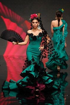 Models present creations by David Alvarez & Purificacion Ramos during the International Flamenco Fashion Show SIMOF in the Andalusian capital of Seville Feb Flamenco Costume, Dance Costumes, Flamenco Dresses, Dance Dresses, Fashion Mode, Fashion Show, Flamingo Dress, Spanish Dress, Mode Costume