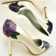 Ivory Wedding Shoes, painted Hydrangea, bridal unique shoe, ivory and purple bouquet , purple hydrangea , unique custom shoes, norakaren by norakaren on Etsy https://www.etsy.com/listing/52604221/ivory-wedding-shoes-painted-hydrangea