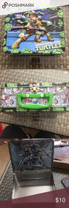 Ninja Turtles tin lunchbox/toybox Perfect condition - can put lunch or toys in! Nickelodeon Other