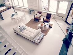 That daybed!